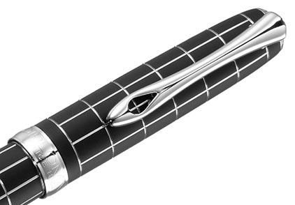 Roller Excellence A+ Rhomb guilloché lapis noir chrome de Diplomat - photo 2