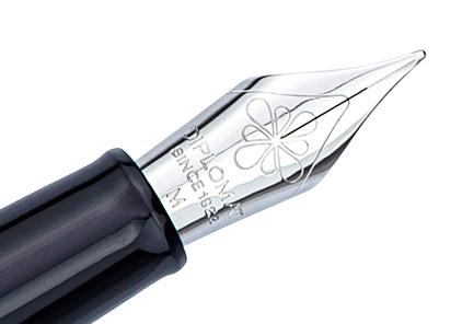 Stylo plume Traveller laqué gris taupe de Diplomat - photo 4