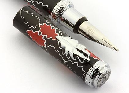 Stylo plume noir rouge Oak Allover de Inès de la Fressange - photo 4