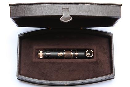 Stylo plume « Hommage au Titanic » laque noire mate attributs en or rose de Jean-Pière Lépine - photo 8