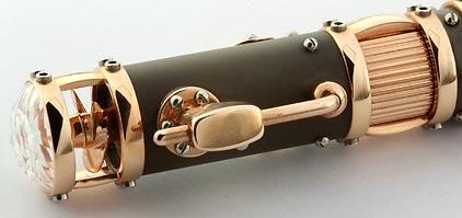 Roller « Hommage au Titanic » laque noire mate attributs en or rose de Jean-Pière Lépine - photo 4
