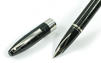stylo plume legacy laqu noir fa on cuir de sheaffer. Black Bedroom Furniture Sets. Home Design Ideas